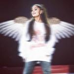 -Ariana Grande-