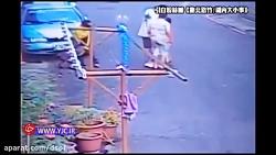 لحظه حمله وحشتناک سگ پیت بول به پسر 7 ساله