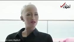 فیلم گفتگوی ویل اسمیت با ربات سوفیا