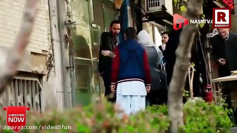 یک ایرانی: من نمیزارم این افغانی نون بگیره! (دوربین مخفی جالب و واکنش مردم)