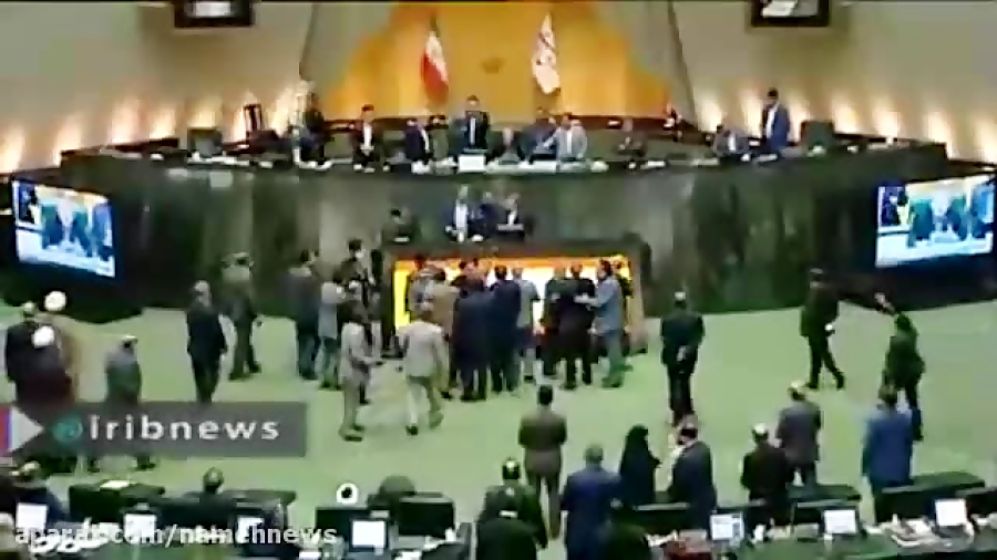 تنش در مجلس هنگام سخنرانی سیف، رئیس کل بانک مرکزی