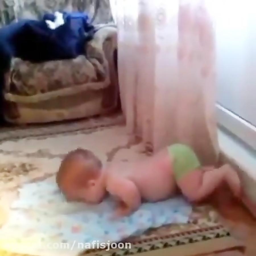 نماز خوندن بچه کوچولو