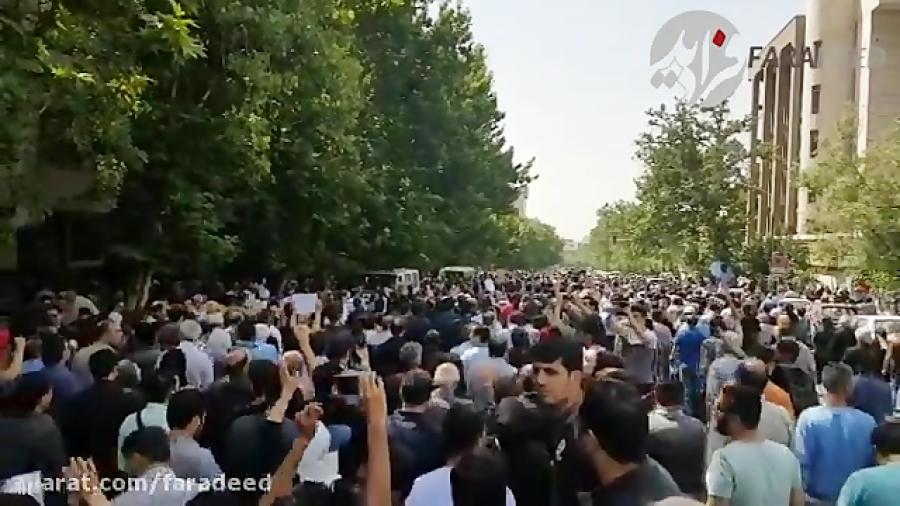 وداع مردم و اهالی سینما با «ناصر ملک مطیعی»