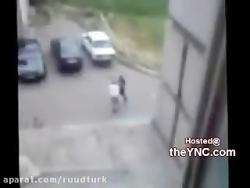 دعوا و درگیری دو مرد در روسیه