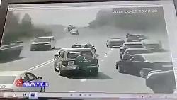 له شدن خودرو زیر تانک د...