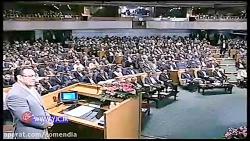 جناب خان در کنفرانس  رسانه از وضعیت اقتصادی کشور گلایه میکند