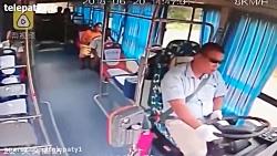 لحظه وحشتناک انفجار پاور بانک یک زن داخل اتوبوس