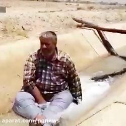 رییس شورای شهر اهرم در کانال آب