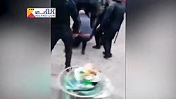 ضرب و شتم یک شهروند فرانسوی توسط نیروهای امنیتی مکرون!