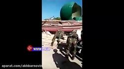 نجات یک مرد از زیر آوارهای مسجد پس از زلزله 7 ریشتری