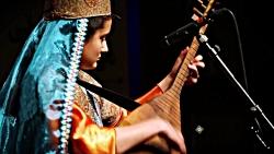 نوای دلنشین قوپوز با نوازندگی دختر ۱۲ ساله آذربایجانی