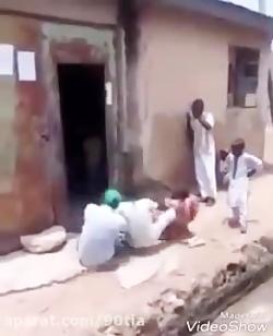 حمله یوزپلنگ پلنگ به منزل مسکونی