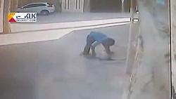 لحظه هولناک در چاه انداختن دختر بچه توسط پسرعمویش