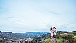 Posing Tips for Women On An Engagement Sho...