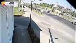 تصادف وحشتناک یک کامیون با دکل فشار قوی در لاهیجان