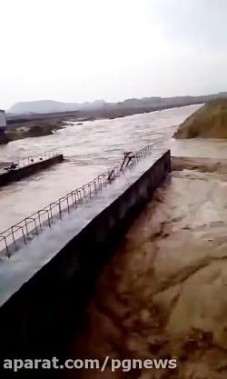 جاری شدن رودخانه فصلی ج...