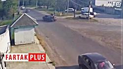 پرش موتورسوار از روی خودرو در سال 2018 در کشور اوکراین +فیلم