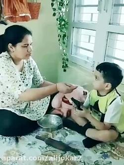 نحوه صحیح غذا دادن مادر به فرزند!