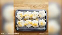 طرز تهیه پیراشکی مرغ و پنیر با نون ترتیلا