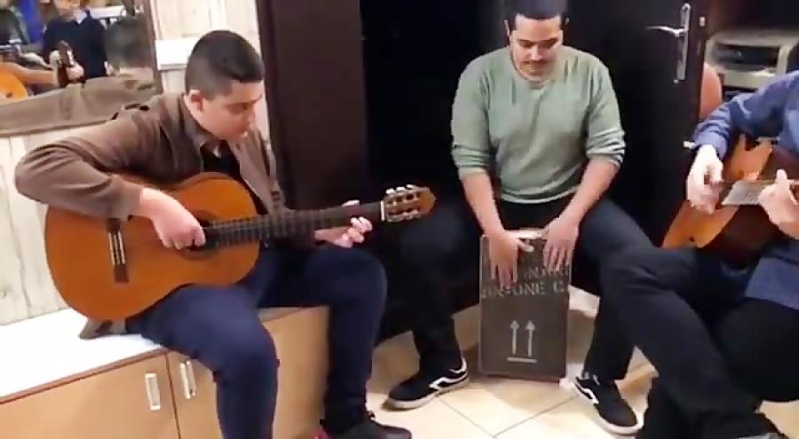 محمدحسن رحيمى فاراون از جيپسى كينگز هنرجوی گیتار فرزین نیازخانی