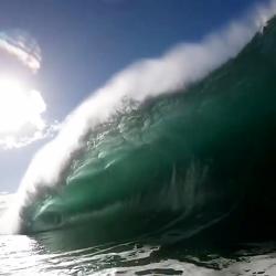 زیباترین موج دریا