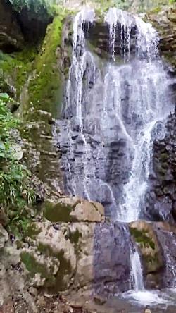 آبشار دست نخورده روستا...