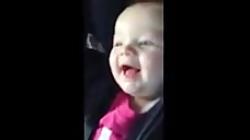 کلیپ خنده دار  حرکات جالب بچه    خنده دار