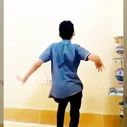 رقص زیبای پسر ایرانی