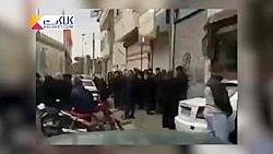 صف دریافت گوشت یخ زده در منطقه 17 تهران