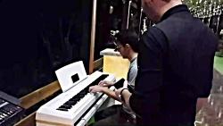 پیانو زدن در تالار اصفه...