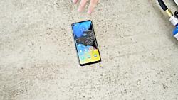 گوشی موبایل سامسونگ گلکسی A8S چقدر مقاوم است؟