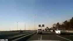 ↩ تعقیب و گریز و شلیک دیدنی پلیس بزرگراه به سارق خودرو در اتوبان تهران ↪