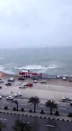 طوفان در ساحل خلیج فارس