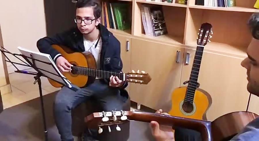 گیتار Meadow Lands نكيسا شاهبازى هنرجوی فرزین نیازخانی