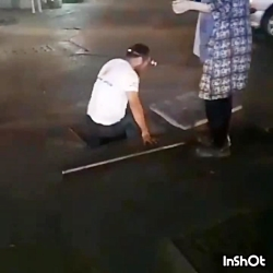 نجات سگ گیر افتاده در ک...