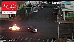 کلیپ آتش سوزی موتور بعد از تصادف