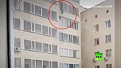 شاهکار خداوند | نجات باورنکردنی یک کودک پس از سقوط از ساختمان چندطبقه