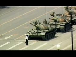 مرد تانکی | ایستادن یک مرد مقابل تانک های ارتش چین در میدان تیان آن من