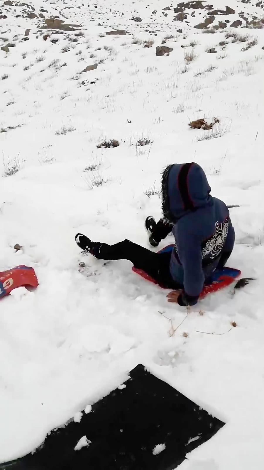 تفریح برف بازی سخوید