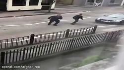 حمله نژادپرستان انگلیسی به مسلمانان در مقابل مسجدی در لندن