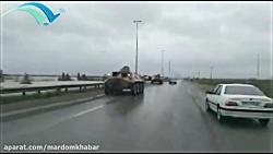 ورود نفربرهای آبی خاکی _دوزیست نیروی زمینی ارتش به مناطق سیل زده استان گلستان