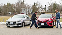 2019 Toyota Camry XSE vs Honda Accord 2.0 ...