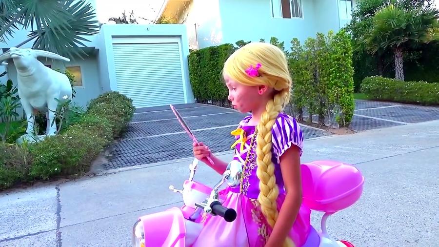 برنامه کودک: الیس به شکل شاهزاده راپونزل در میاد
