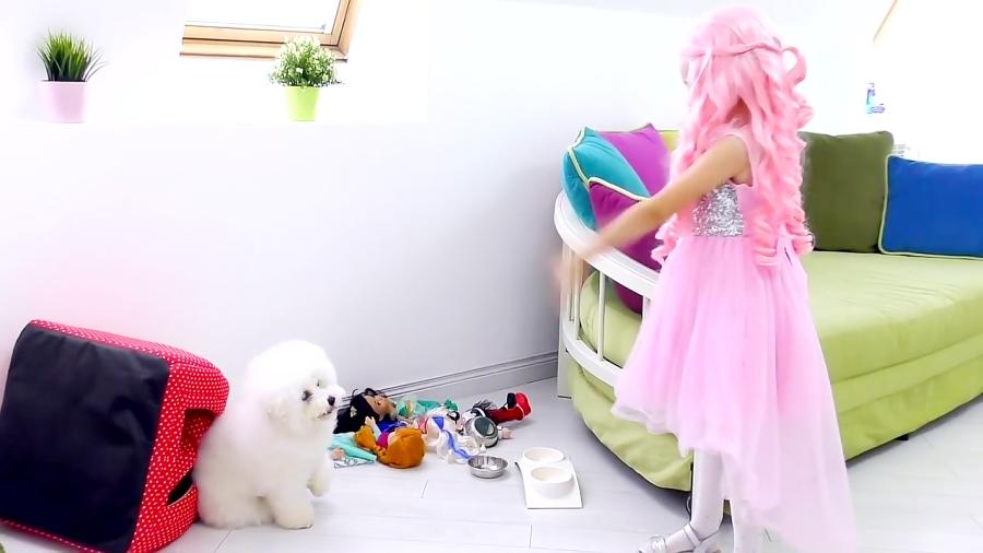 آلیس کوچولو باربی میشه و با پاپی بازی میکنه