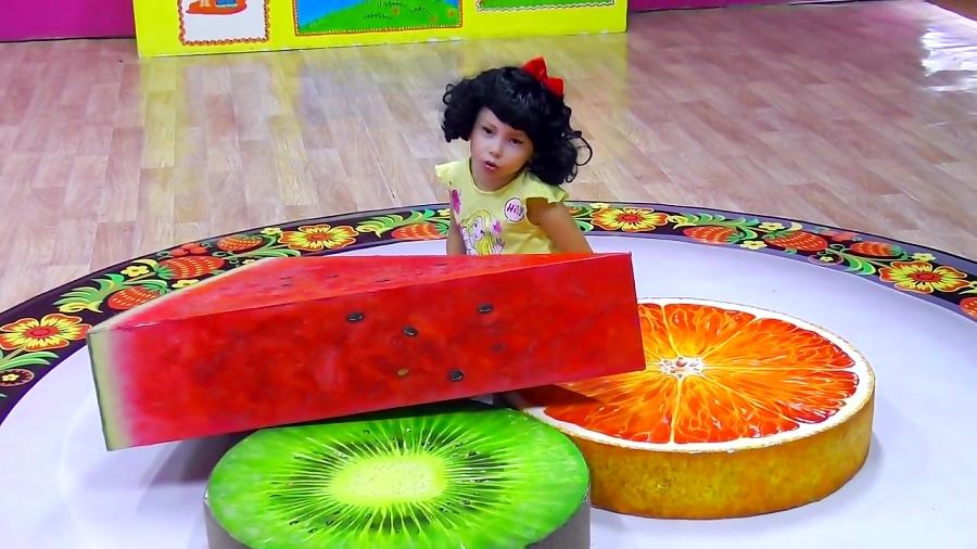 آلیس شاهزاده میشه و به موزه اسباب بازی های غولاسا میره