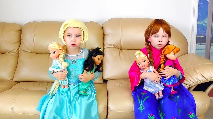برنامه کودک: فروزن السا و آنا از عروسک ها مراقبت میکنن