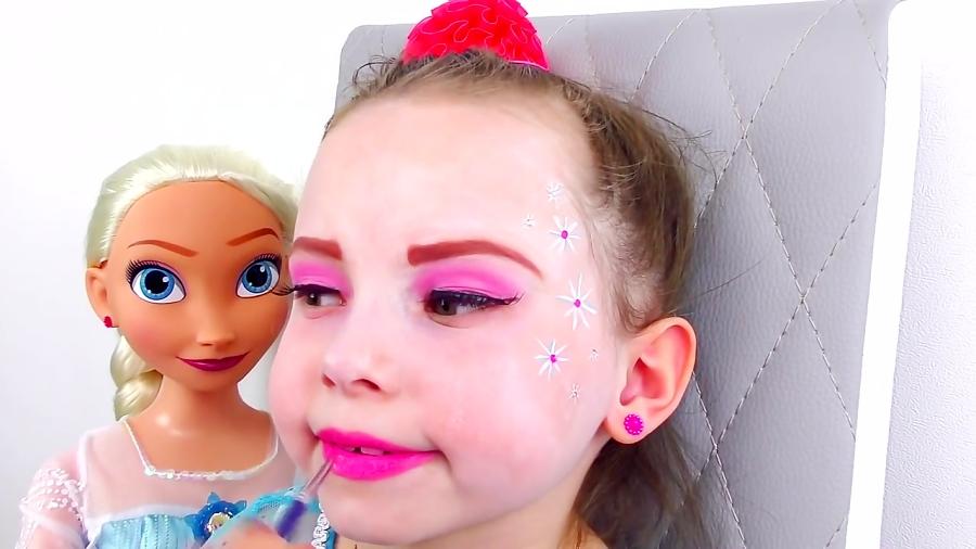 برنامه کودک: آلیس خودشو به شکل عروسک فروزن السا درمیاره