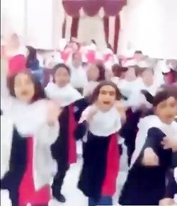 جنتلمن ساسی مانکن در مدارس