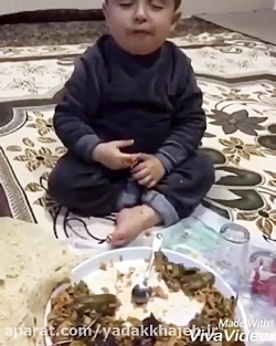 سحری خوردن بچه خواب آلود