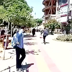 حمله یک مرد روانی به آخوند